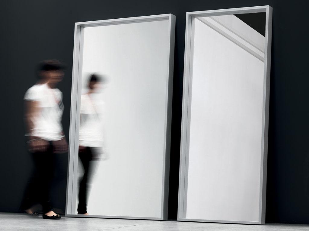 Feelathome stockverkoop kristalia extra large spiegel for Spiegel extra