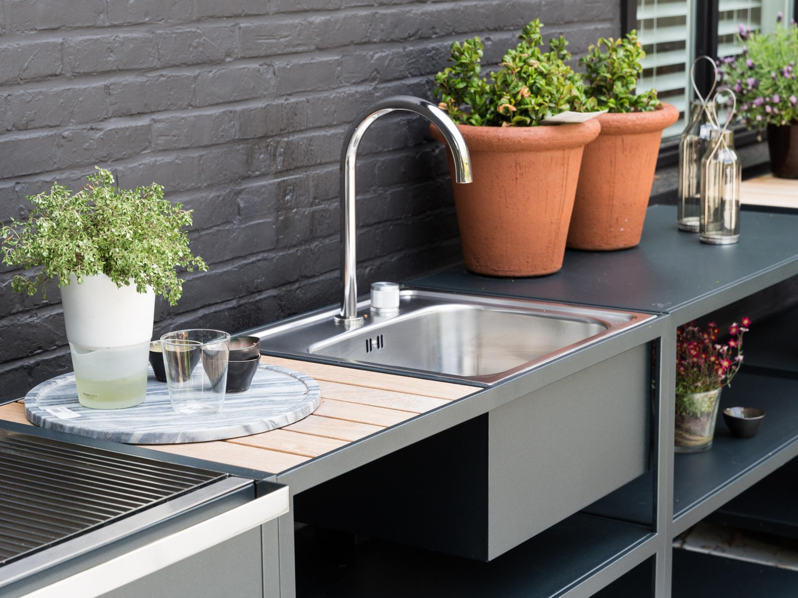 Feelathome stockverkoop roshults garden kitchen sink for Stockverkoop keukens